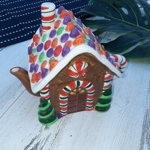 {Celebrate The Season} Gingerbread House Teapot